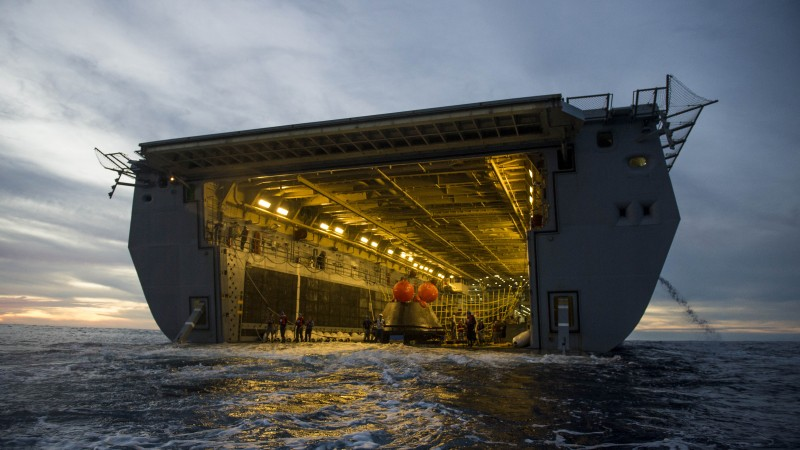 Обои Анкоридж, НАСА, спасательная операция, USS Anchorage ...: http://wallpapershome.ru/armiya/morskaya/ankoridj-nasa-spasatelnaya-operaciya-1747.html