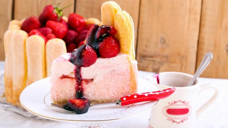 Вкусные тортики с клубникой и с фото