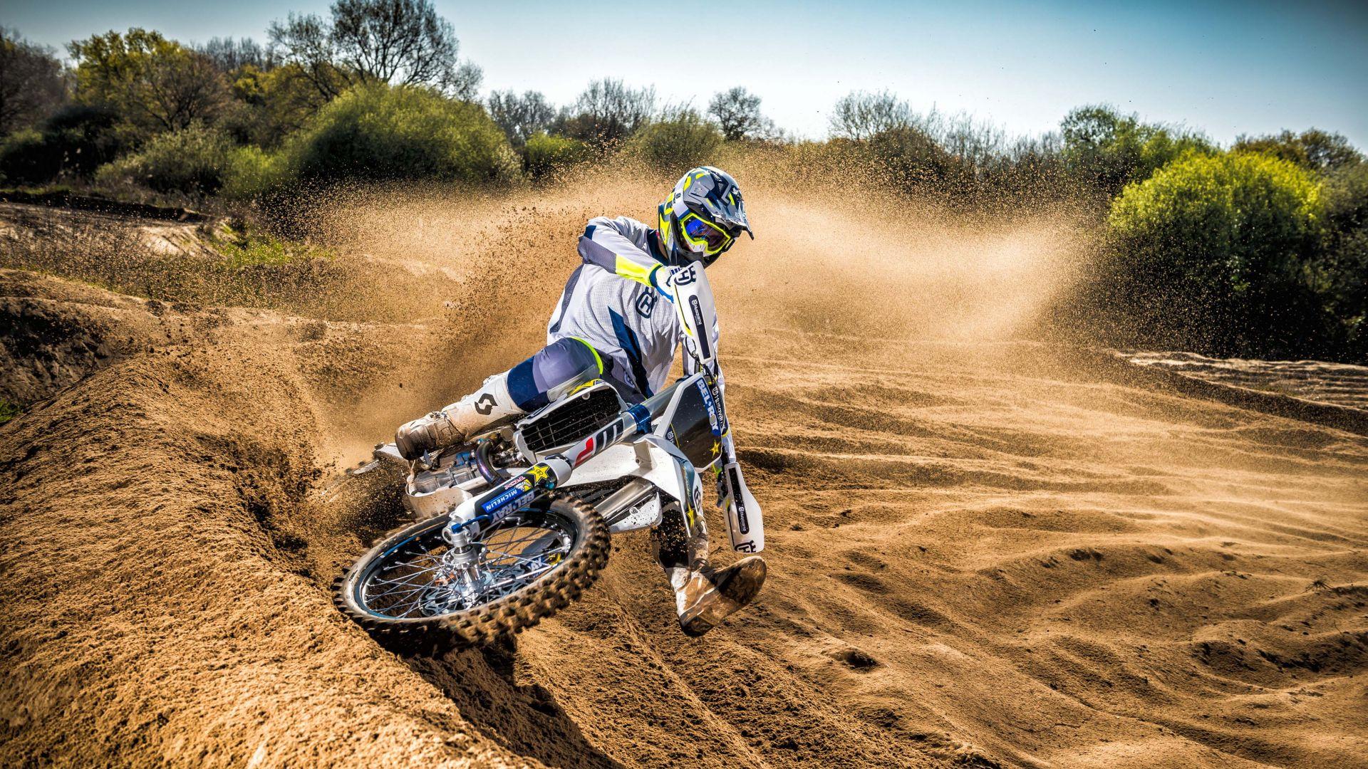 мотоцикл занос пыль мотокросс скачать