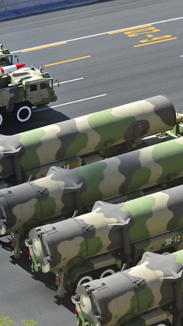 Дунфэн-21, парад, РК, ракета, Китай, КНР, DF-21, missile, DF-21, parade, Dong-Feng, MRBM, People's Liberation Army, China, weapon (vertical)