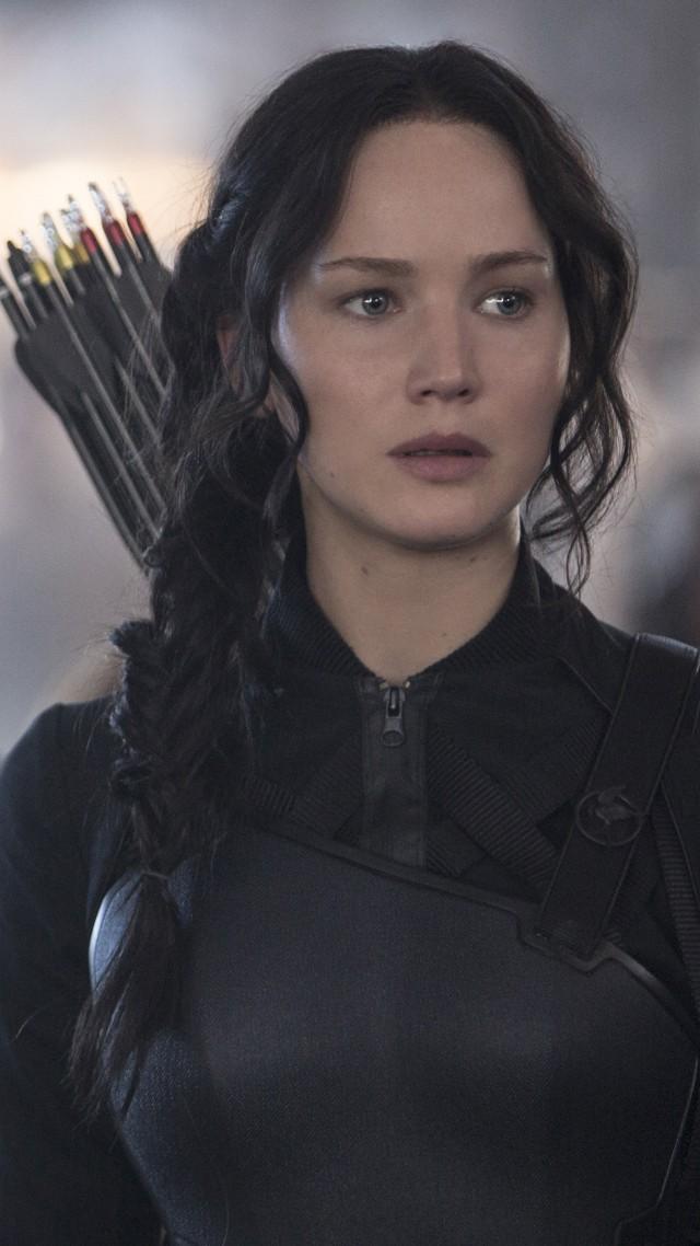 Jennifer Lawrence gets makeover in The Hunger Games