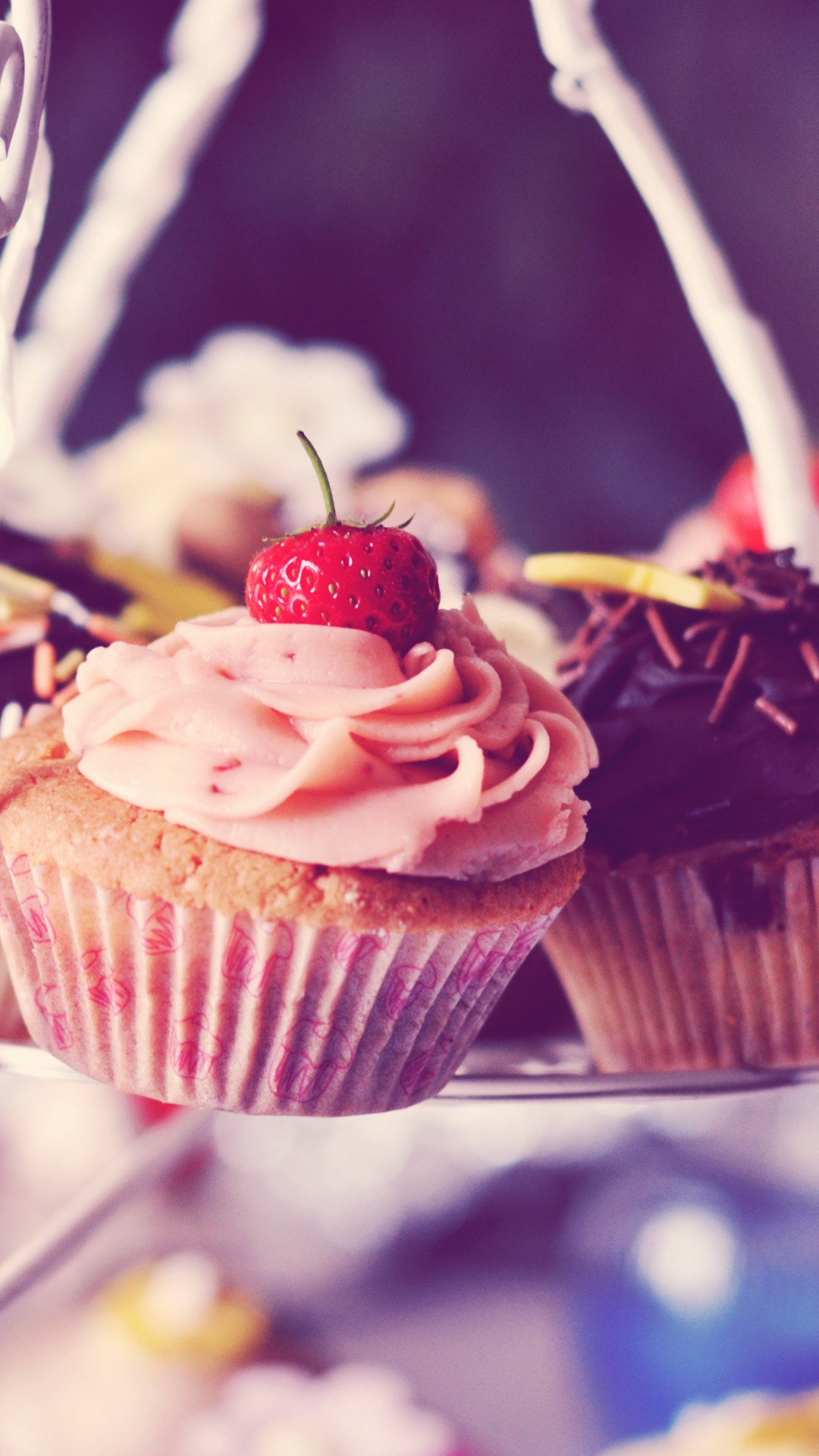 Обои кексы, клубника, сахарная пудра, выпечка. Еда foto 11